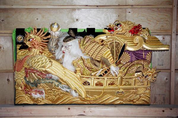 上幕(正面)・軍船の舳先に立つ武内宿彌(タケノウチスクネ)