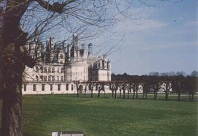 フランス・ロワール河の古城