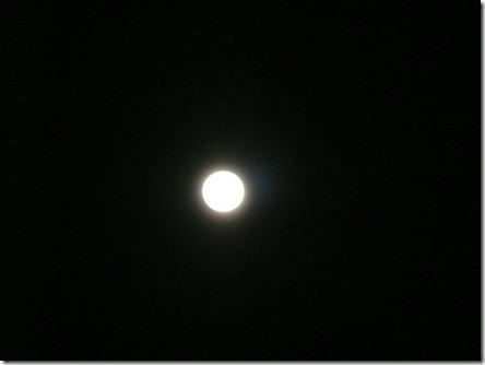 寒空の満月